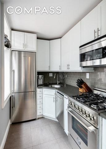 61 Lexington Avenue, Unit 6F - 2 Bed Apt for Sale for