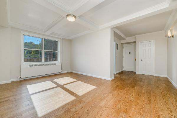 Riverton Square 2190 Madison Avenue Unit Me 3 Bed Apt For Rent
