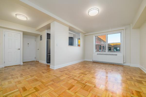 Riverton Square 2190 Madison Avenue Unit 9d 1 Bed Apt For Rent